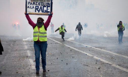 Sindacalisti, ecologisti, libertari nel movimento dei giubbotti gialli: quattro questioni